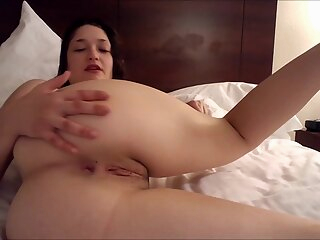 Webcam slut love to show her ass on cam amateur brunette hd